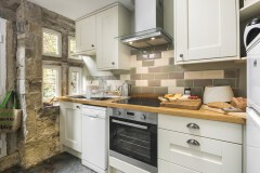 Kitchen1-stay-in-Halifax